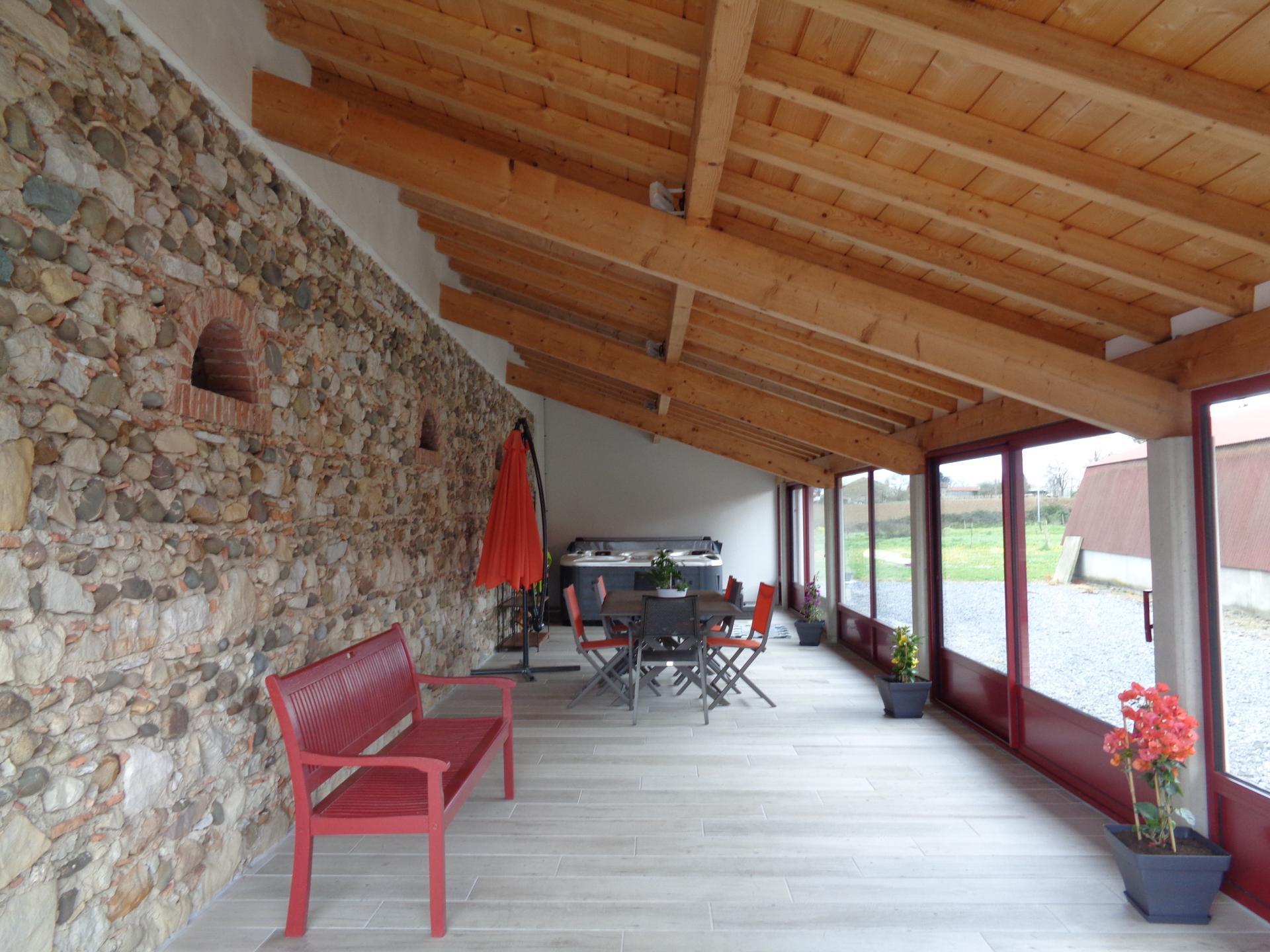 SPA sous terrasse couverte